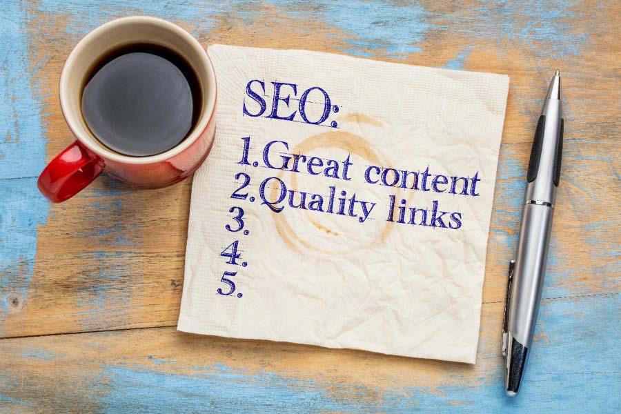 SEO مخفف عبارت انگلیسی Search Engine Optimization است که به معنی بهینهسازی وبسایت برای موتورهای جستوجو است.