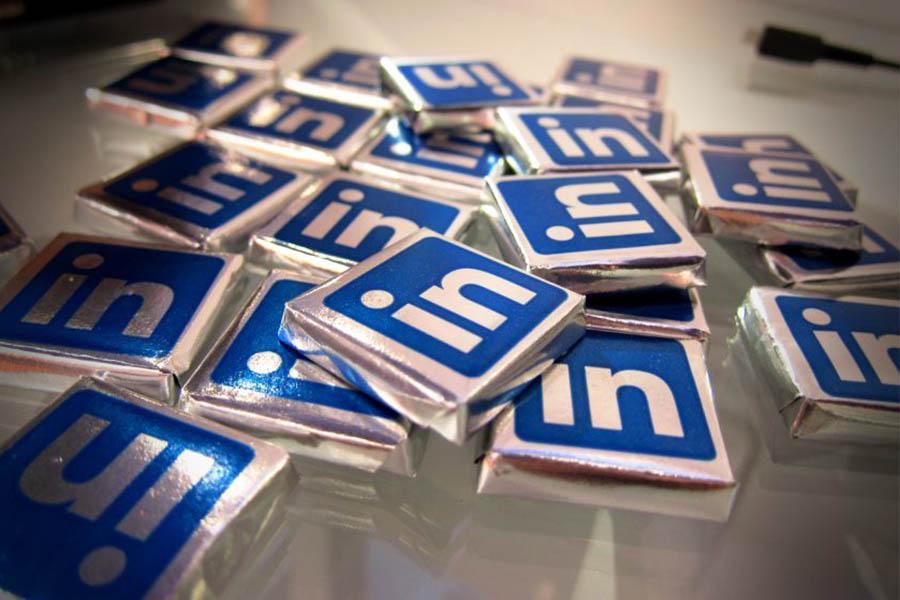 یکی از شبکههای اجتماعی که در دنیای کسبوکار حرفهای به صورت جدی فعالیت میکند، شبکه اجتماعی لینکدین (LinkedIn) است.
